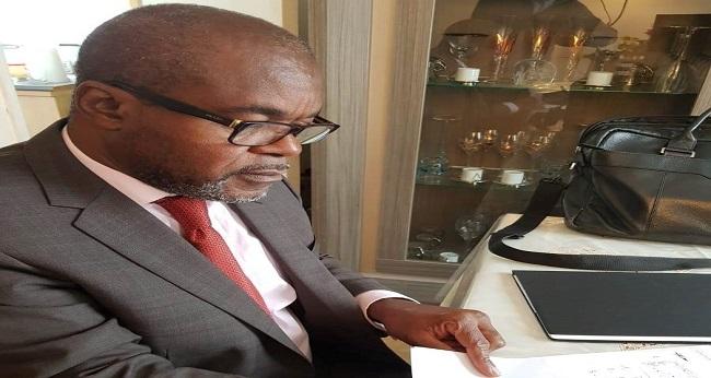 Séraphin Akobé Monnez, écrivain